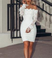ÚJ Fehér csipkés elegáns mini ruha
