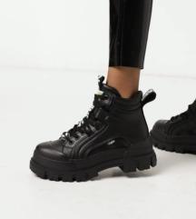 Buffalo fekete bakancs cipő 38