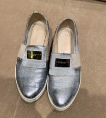 Ezüst-kék bőr cipő