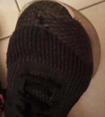 Keresek rossz cipőket