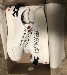 Moschino sneakers 38