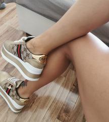 37es cipő új állapotban