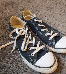 Fekete Converse