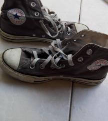 Szürke Converse
