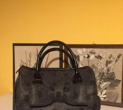 Carpisa táska