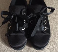 39es cipő
