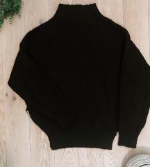 Weekday fekete garbós pulcsi