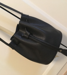 Reserved bucket bag új