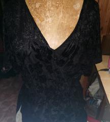 L-es fekete plüss virágos H&M ruha